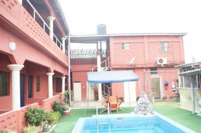 hotel 12 chambres..piscine .. sur 1200m2